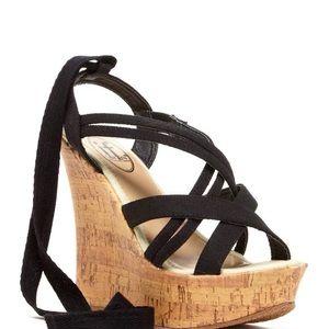 Tie wedge sandal
